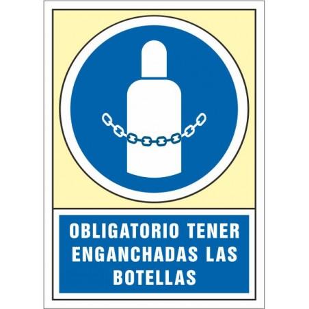 Obligatorio tener enganchadas las botellas