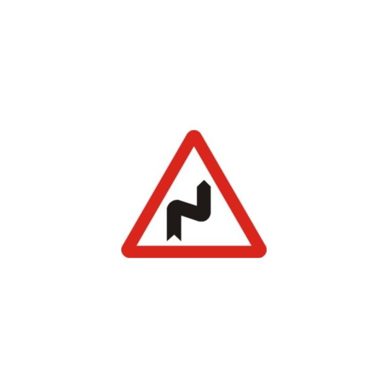 P14a-Curvas peligrosas, hacia la derecha
