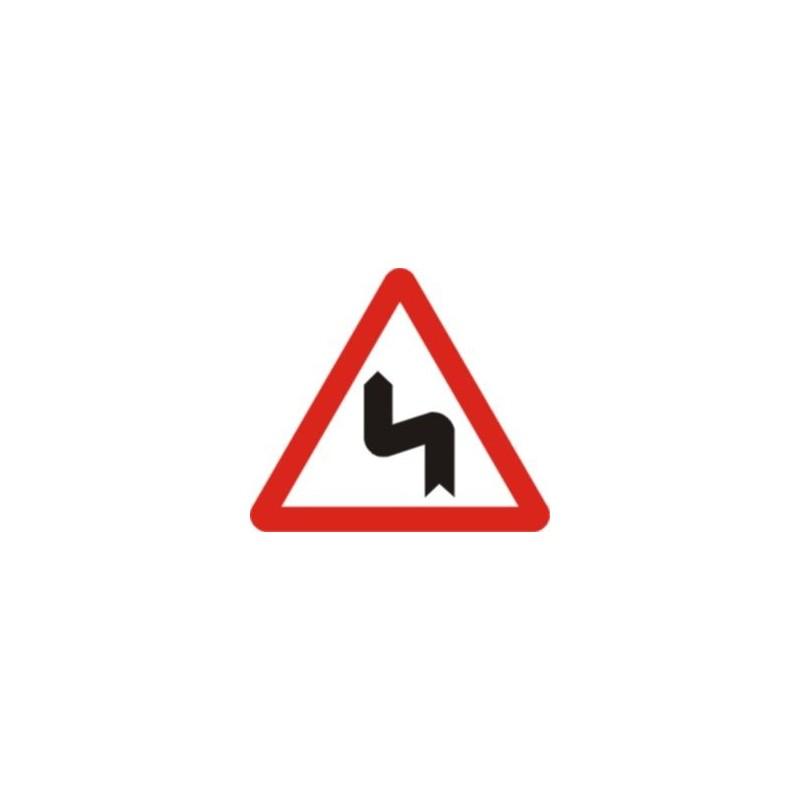 P14b-Curvas peligrosas, hacia la izquierda