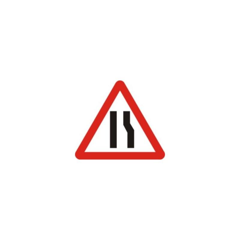 P17a-Estrenyiment de calçada per la dreta