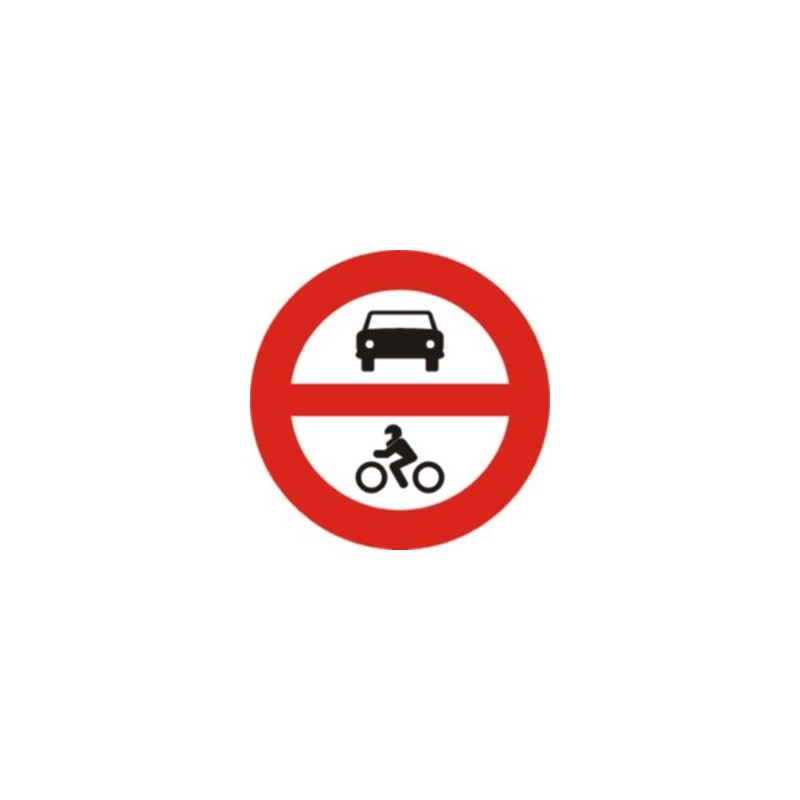 R102-Entrada prohibida a vehicles de motor