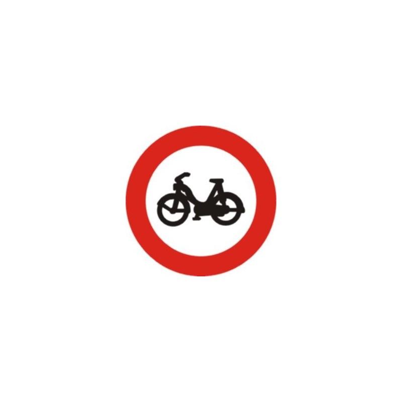 R105-Entrada prohibida a ciclomotors