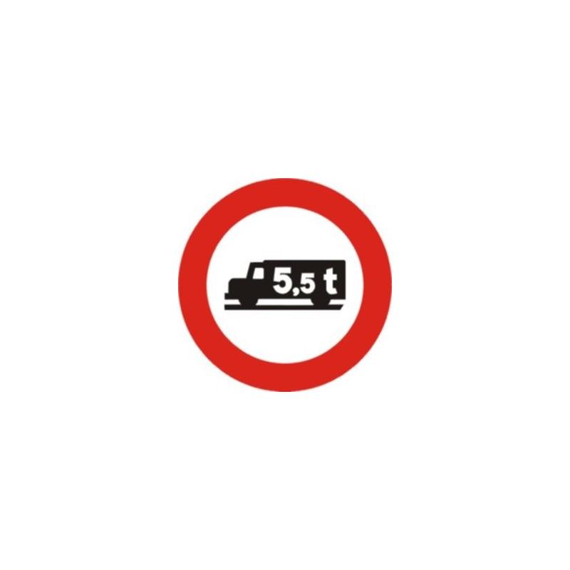 R107-Entrada prohibida a vehículos destinados al transporte de mercancías con mayor peso autorizado que el indicado