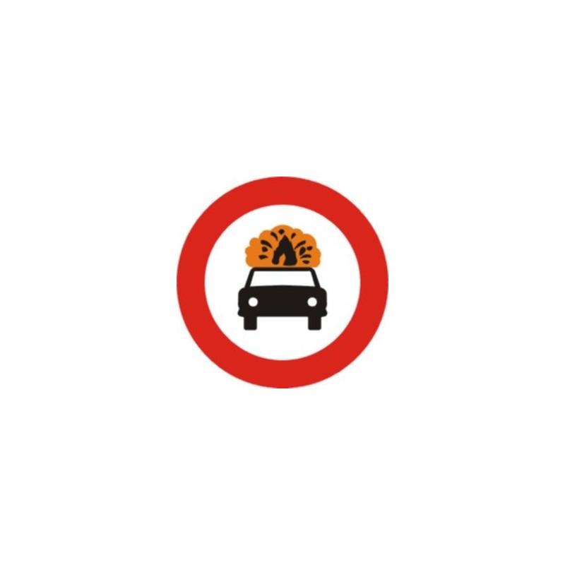 R109-Entrada prohibida a vehicles que transportin mercaderies explosives o inflamables