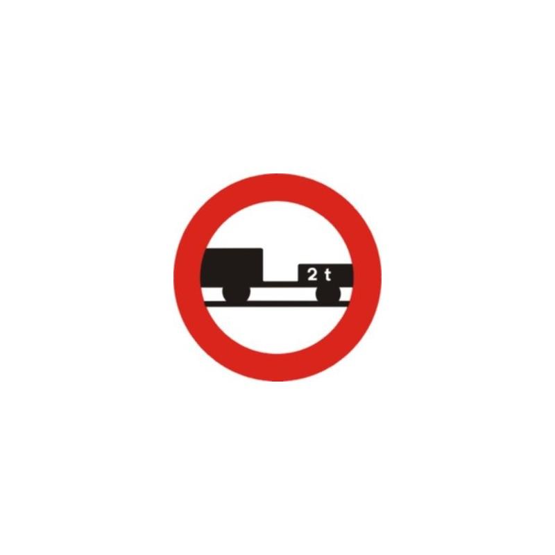 R112-Entrada prohibida a vehicles de motor amb remolc que no sigui un semirremolC o remolc 1 eix