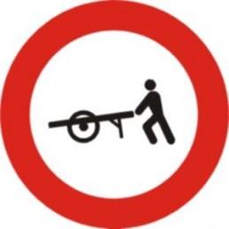 Entrada prohibida a carros...