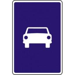 Vía para automóviles