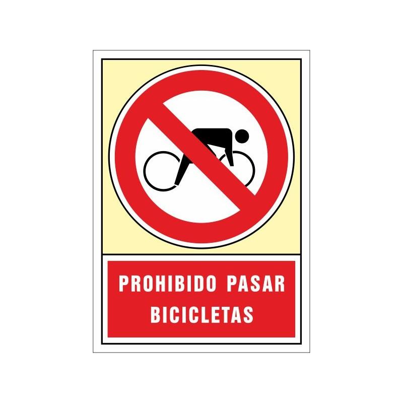 3072S-Prohibido pasar bicicletas